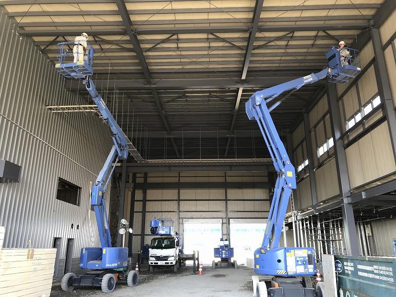自動車工場 機械設備